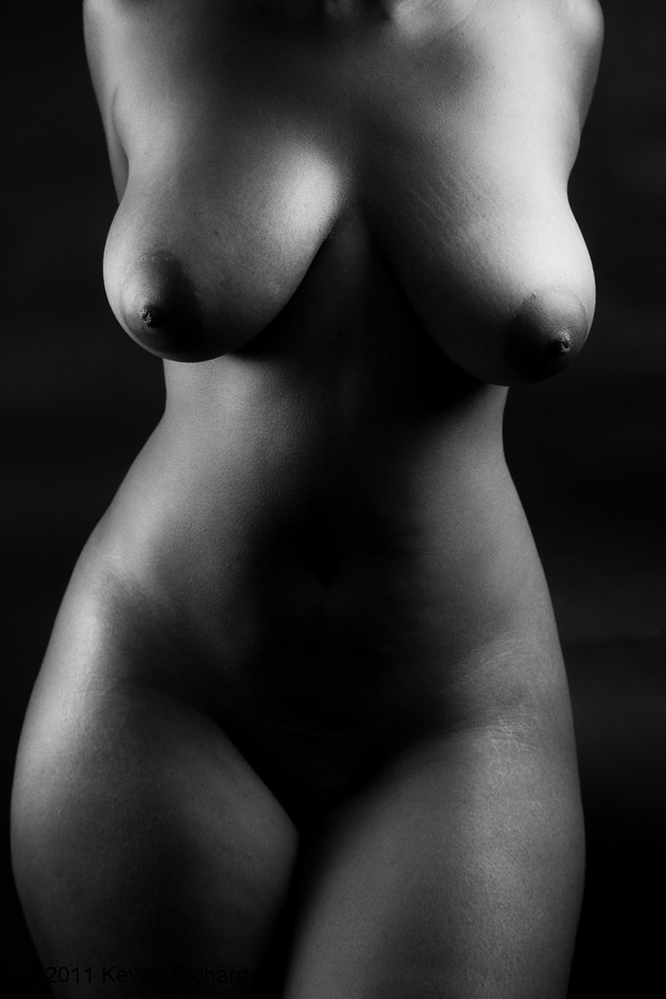 adult-photos:  Statuesque