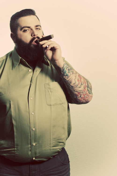 tombarbee:  I can't help it, he looks so damn good smoking a cigar.   Tom's (Tom Barbee Photography) at it again! Lol - But that was a damn good cigar!