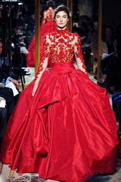 Wow, art on the catwalk at Marchesa.  Is bright red going to be big for fall 2012 then, and not just on the lips?  vogue:  Marchesa Fall 2012 Photo: Marcio Madeira/firstVIEWVisit Vogue.com for the full collection and review.