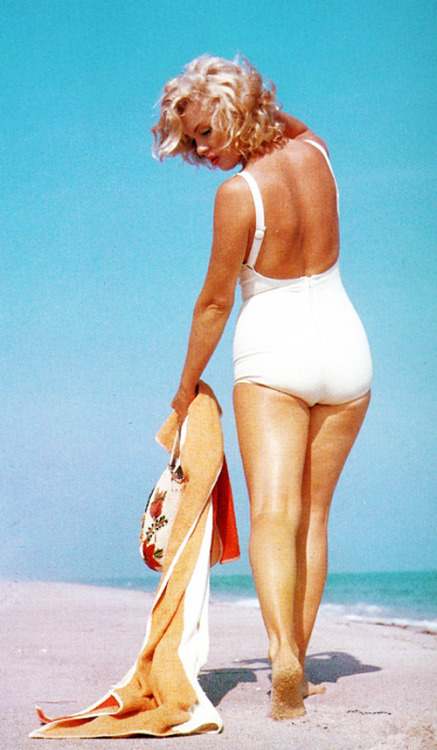 Marilyn Monroe at Amagansett Beach in the Hamptons, by Sam Shaw 1957
