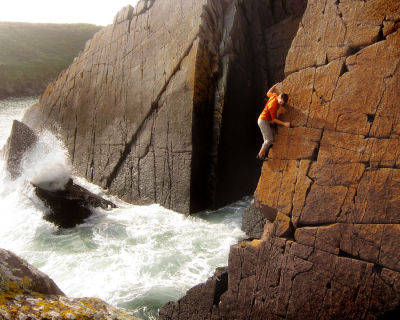 notquitesherlock:  Red Wall solo  © Simon R, Aug 2011 I've climbed this route! I knew I recognised it.