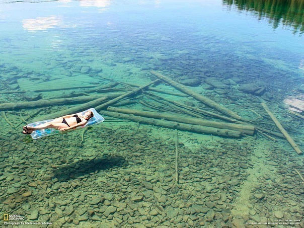 spanish-steps:  A lake in Montana whose water is so clear it appears shallow, when really its over 100 feet deep!