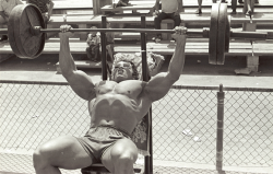 bulkisbetter:  Only one man could look good benching in glasses.