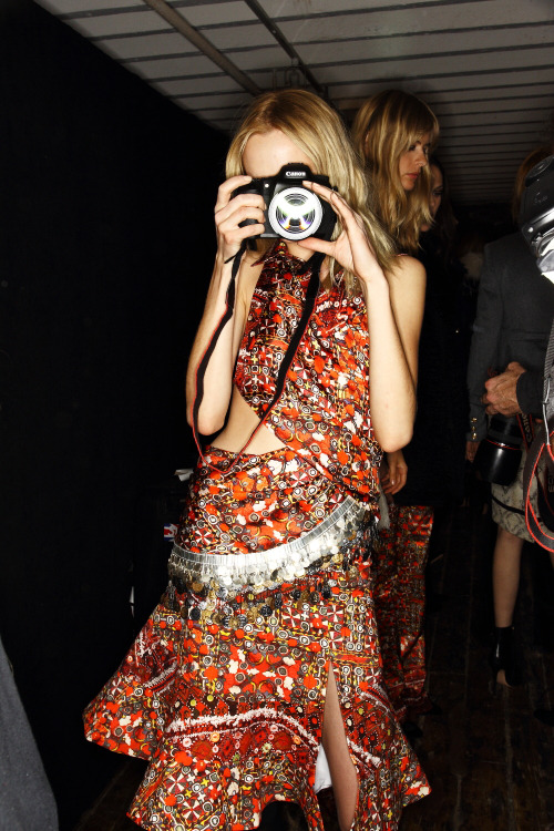 Gypsies and technology backstage @ALTUZARRASTUDIO #FW12. via http://sonnyphotos.typepad.com/ #NYFW