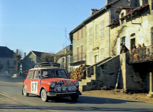 Mini Cooper at Rallye Monte Carlo by Auto Clasico on Flickr.
