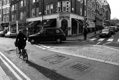 © http://www.salvodipino.it - All rights reserved. London - Shadow