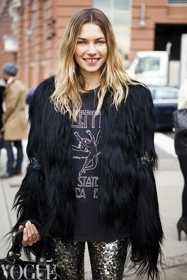 vogueaustralia:  Jess Hart features in our New York Fashion Week street style gallery. Image by Candice Lake