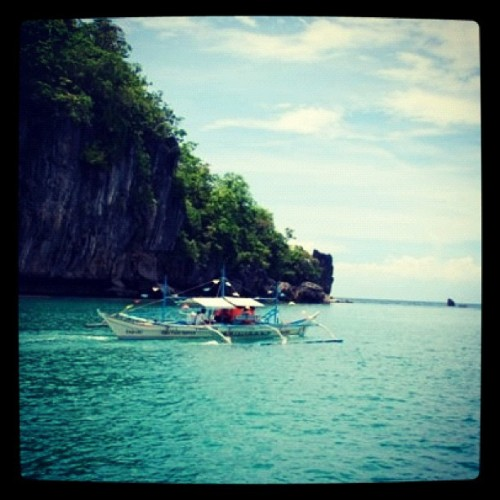 Palawan  #mytravel #palawan #philippines #itsmorefuninthephilippines #fabgirls #friends #girlfriends #boat #sea #seatravel #boatride  (Taken with instagram)