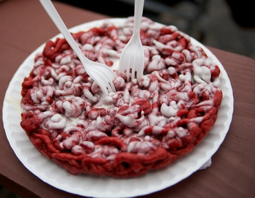 alltheorgasmicfood:  Red Velvet Funnel Cake