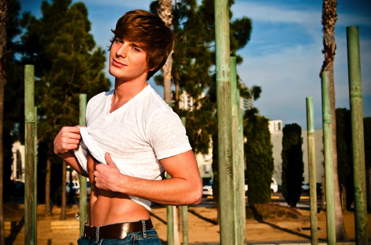 Brent Corrigan | undressing