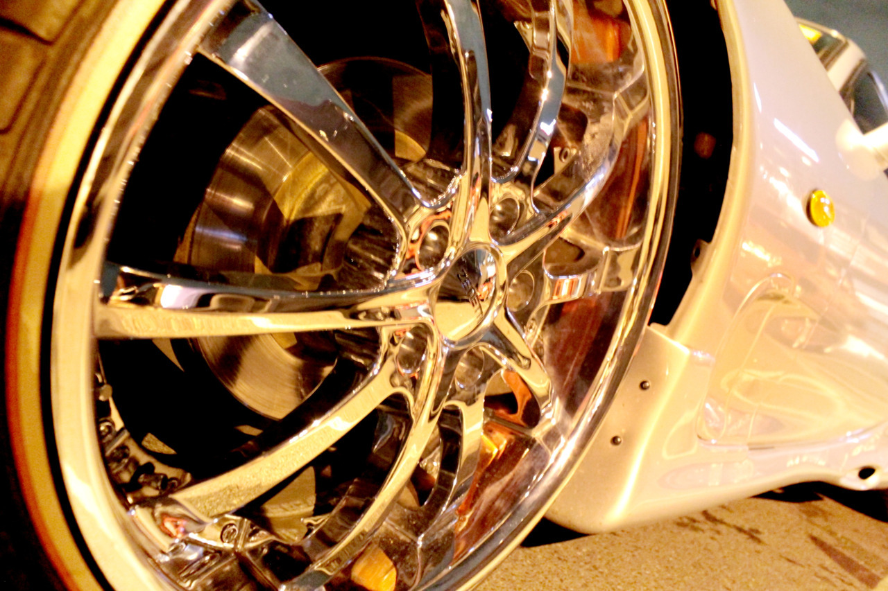 "He said ""did you take a photo of the rims?"" Click!>Review Image>Yeahhaa i did! ;D [*EA*]"