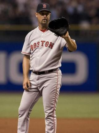 "I am thinking about Tim Wakefield                   ""Farewell, Tim. The best knuckleballer of our era has retired.""                                Check-in to               Tim Wakefield on GetGlue.com"