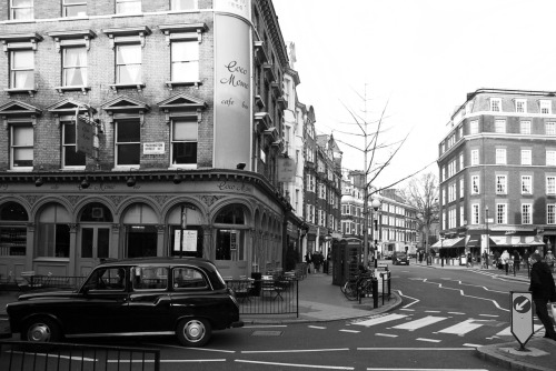 © http://www.salvodipino.it - All rights reserved. London - Coco Momo