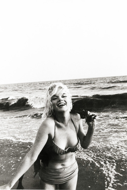 Fabulous vintagegal:  Marilyn Monroe by George Barris (1962)