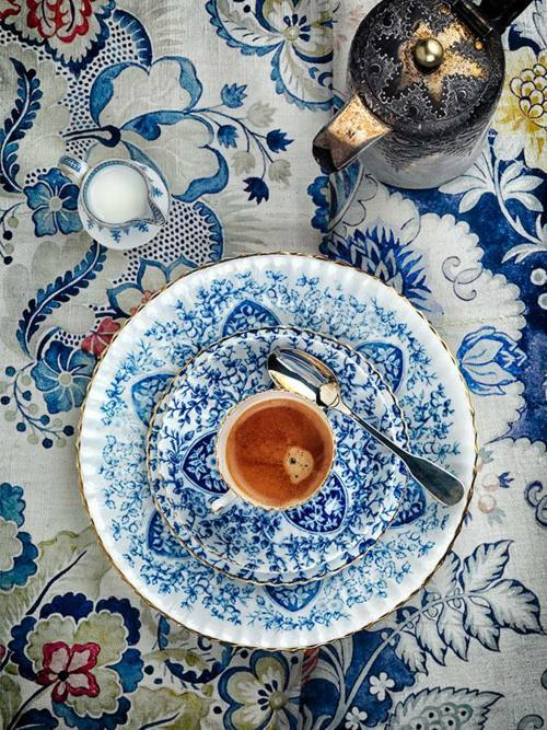 bella-illusione:  tea time.