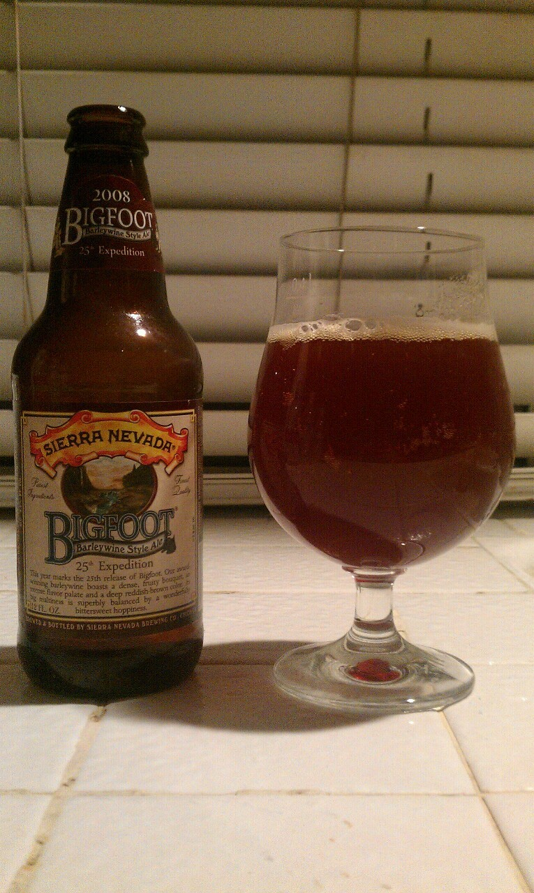 Sierra Nevada - Bigfoot (2008/25th Expedition) (American Barleywine, 9.60% ABV) Typical Sierra Nevada hoppiness. I think i like Celebration better. Need 2 try a fresher one tho. Cheers bru!