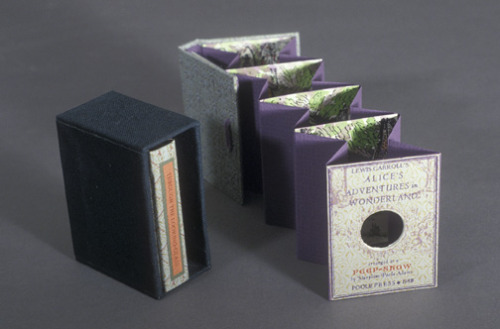 fuckyeahbookarts:  A Peepshow Alice, mini tunnel books by Maryline Pool Adams, letterpress.