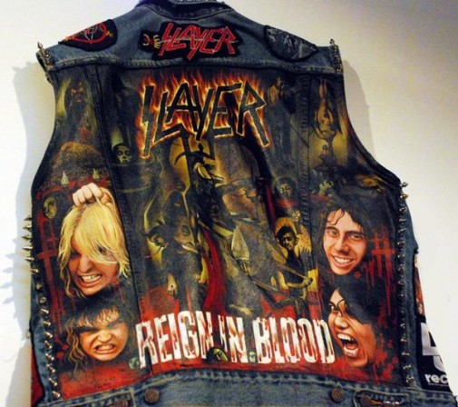 rockenscarlette:  Slayer.  OMG.i usually dont really like denim patch jackets but this thing is fuckin awesome.