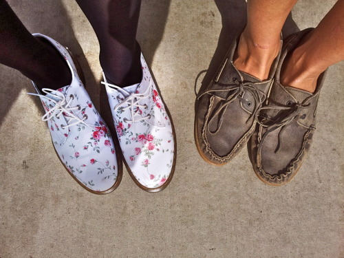 "flower print docs — ""Follow"" by Crystal Fighters brown loafers — ""Just Can't Get Enough"" by Nouvelle Vague"