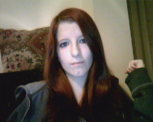 I dyed mah hairs…<3 It is a little dark right now but I know it will lighten a bit when I wash it :D What do ya think?