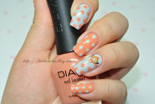 simple dot nailart
