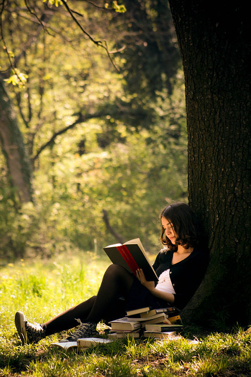 "bookmania:  ""From that time on, the world was hers for the reading. She would never be lonely again, never miss the lack of intimate friends. Books became her friends and there was one for every mood. There was poetry for quiet companionship. There was adventure when she tired of quiet hours. There would be love stories when she came into adolescence and when she wanted to feel a closeness to someone she could read a biography. On that day when she first knew she could read, she made a vow to read one book a day as long as she lived."" ― Betty Smith, A Tree Grows in Brooklyn (Photo by Dimitri Caceaune)"