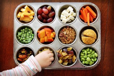 healthysexyhappy:  Healthy snacks - choose wisely!