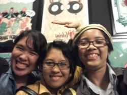Rini, Meggy and I at Tara McPherson's exhibit last last week :>