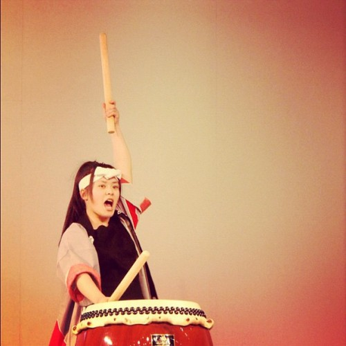 dirge3000:  太鼓の少女 #taiko #Japanese #drump #girl (Taken with instagram)