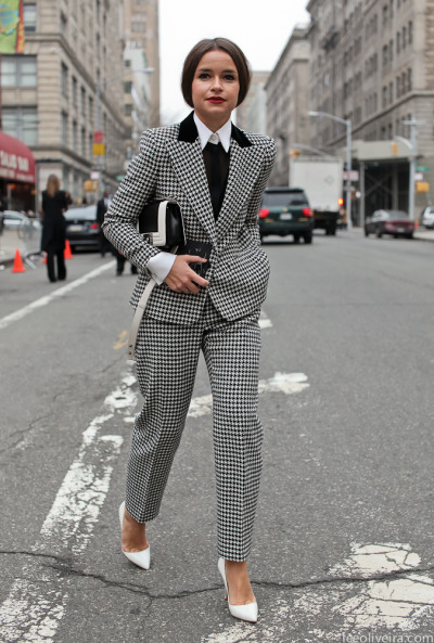 miroslava duma really can do no wrong, i need a houndstooth? suit pronto!