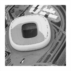 acidadebranca:  Bird View Cityscape [397] Munich | Germany | Allianz Arena | Herzog & de Meuron O Allianz Arena é um estádio alemão inaugurado no final de abril de 2005, localizado na parte norte de Munique, no distrito de Fröttmaning. É o estádio oficial dos times TSV 1860 Munique e Bayern de Munique (substituindo o Olympiastadion) e sediou o jogo de abertura da Copa do Mundo de 2006. bing maps