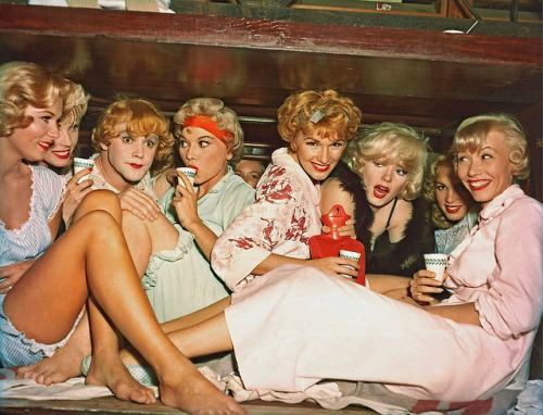 solo-vintage:  Sweet Sue and Her Society Syncopaters. From 1959's Some Like It Hot.