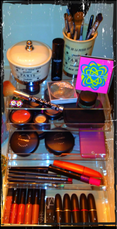 I was obsessed with finding the perfect counter top cosmetics storage unit that kept everything neat and tidy, BUT didn't cost an arm and a leg!! A little research lead me to this awesome MUJI acrylic 5 drawer beauty! Sturdy and practical, and it only cost $27.00!!!!!! Www.muji.com