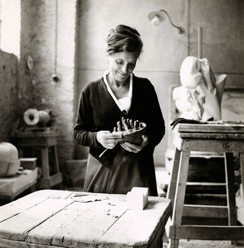 grimzah:  artistandstudio:  Louise Bourgeois working on Sleep II (Dream II), Italy, 1967. Photo: Photographic Studio, I. Bessi, Carrara.