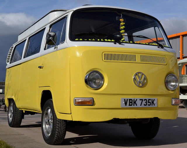 sic56:  1972 Volkswagen T2 Bay Campervan by Charles Dawson on Flickr.