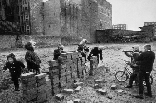 "© Raymond Depardon, 1962, Children playing ""building the Wall"", West Berlin / Germany ""I remember an article, I can't recall who by, it was after the fall of the Berlin Wall, which said that now the Wall was down, there could be no more class war. Only someone with money could ever say such a thing."" (Claude Chabrol) » find more of Magnum Photos here «"