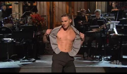 Sexy, stripping SNL host in 2012. ʌ ʌ ʌ Sexy, stripped SNL host in 1986. v v v  Oh, what SNL will do to obtain viewers during their most trying times. I'm not really complaining about either, though.