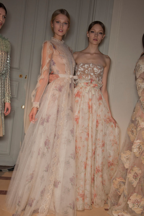 dixias:  Toni Garn and Nimue Smit backstage at Valentino Haute Couture Spring 2012   Valentino…swoon swoon swoon. Best collection this spring, no argument.