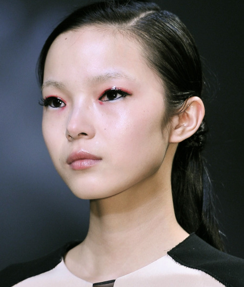 shhhp:  sfilate:  Xiao Wen Ju at 3.1 Phillip Lim A/W 2012 RTW  雎曉雯美美~