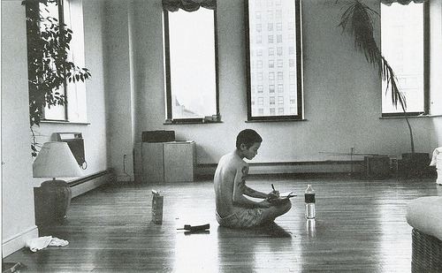 look-log:  Jenny Shimizu in her apartment in NYC. I tried to find out exactly who the photographer was but all I found out was that this image was shot in 1994 for an issue of People magazine, probably for this article.