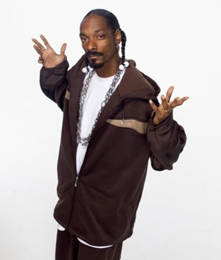 I am listening to Snoop Dogg                                      Check-in to               Snoop Dogg on GetGlue.com