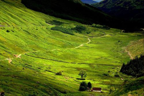 Secluded glen - Scotland By:starboardside