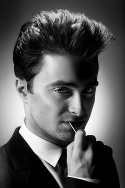 British actors I am in love with #4- Daniel Radcliffe… loved him as harry and will keep doing so.