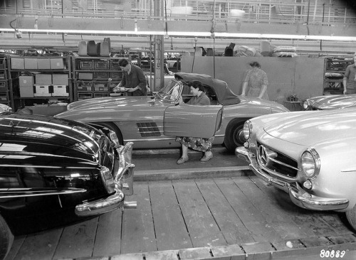 Mercedes-Benz W121 & W198 assembly lines by Auto Clasico on Flickr.
