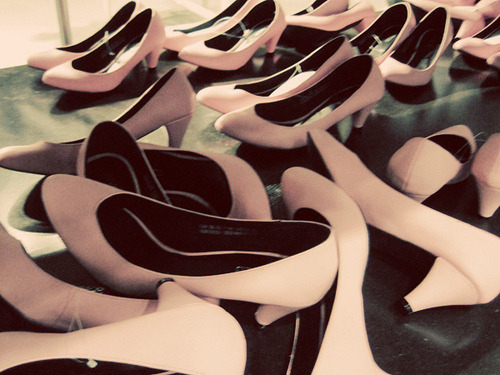 perfectmadness:  pink pumps (by Kate Gabrielle)