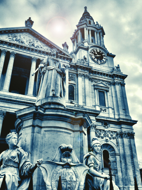 -  St. Pauls Cathedral, London, UK Photo by: Cam Standish