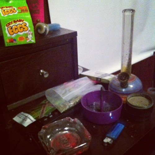 #goodnight #bong #bowl #weed #highlife #debowler #instagram #ig #igdaily  (Taken with instagram)