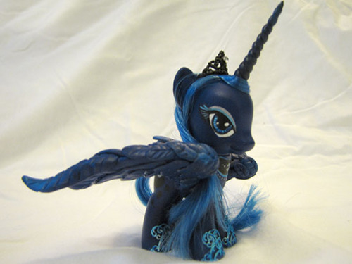 Luna Custom by *EllisPONY