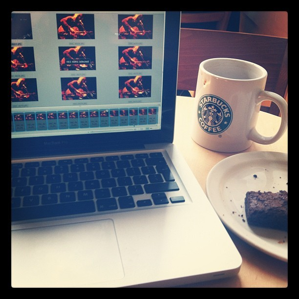 Who said the work week starts on Monday? #freelancelife (Taken with Instagram at Starbucks)