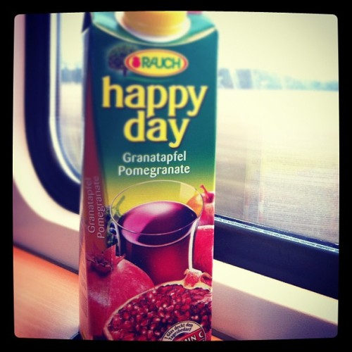 day 18 | drink #juice #pomegranate #febphotoaday #februaryphotochallenge #photoaday #day18 #drink @fatmumslim (Taken with instagram)